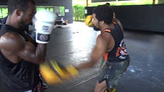 Drilling with pro fighters @ Tiger Muay Thai kickboxing class
