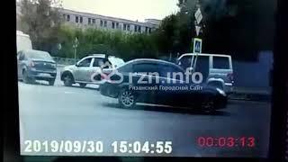 На Скорбященском проезде задержали водителя «Яндекс.Такси». Видео