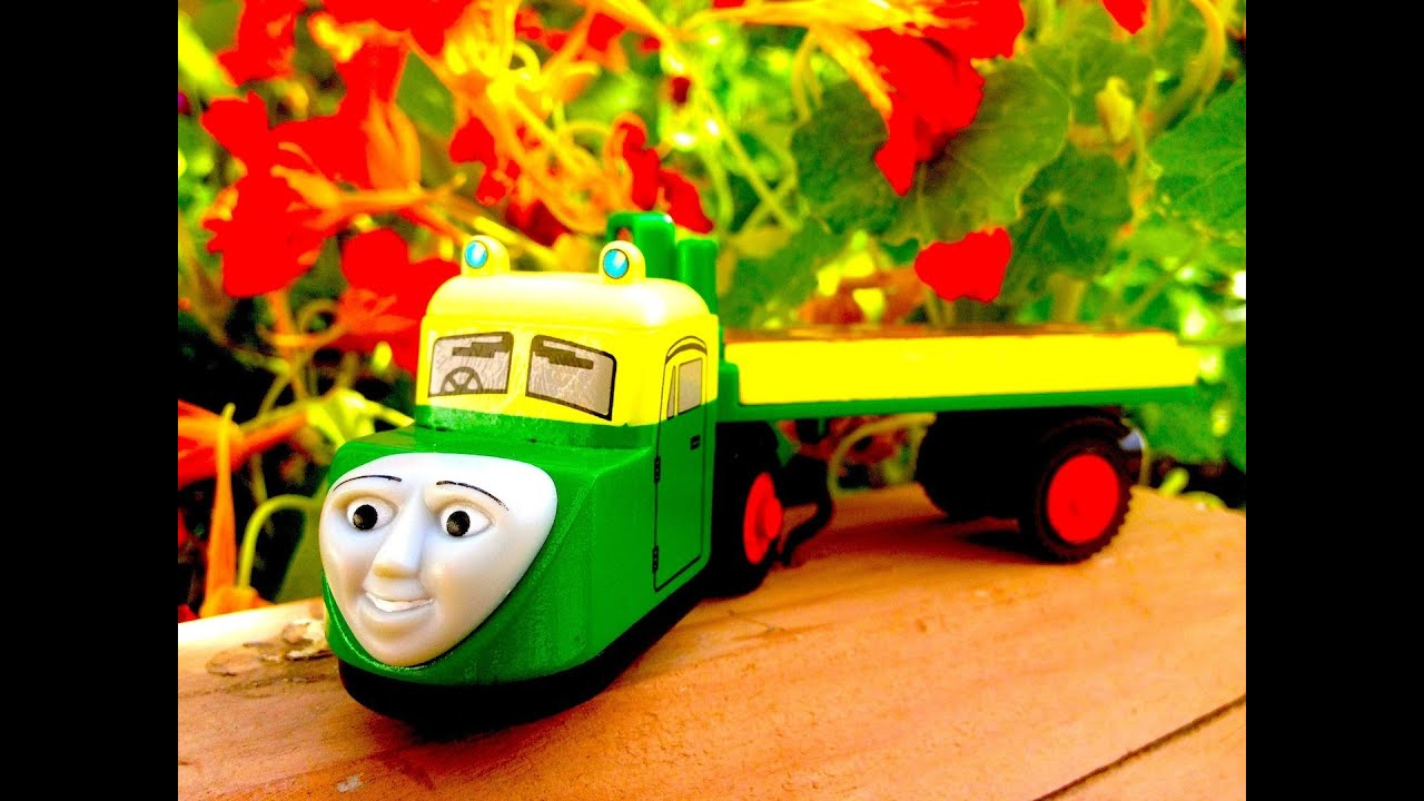 Madge - Thomas The Tank Engine Wooden Railway Review - Character Fridays - Fisher Price Toy ...