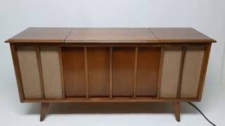 Mid Century Modern Stereo Console Cabinet Record Player - Bluetooth - Am/Fm