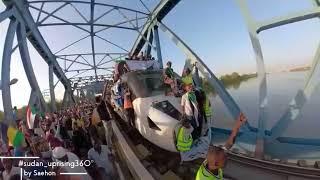 لحظة وصول قطار عطبرة 🔥القيادة العامة 🇸🇩 بصوت العطبراوي