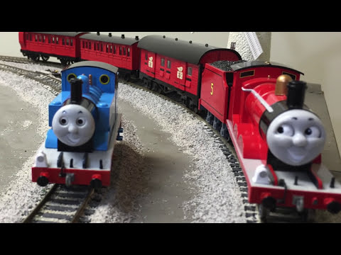 James Gets A New Red Coach! Bachmann Thomas & Friends Trains