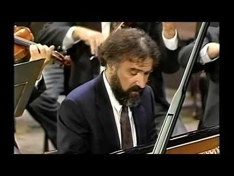 Mozart Piano Concerto No23-1M (1/3) Sándor Végh Radu Lupu Vienna Philharmonic