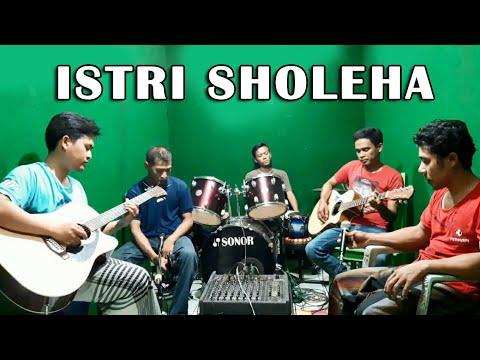 ISTRI SALEHA - Akustik Dangdut Cover   H. Rhoma Irama   CTR Musik