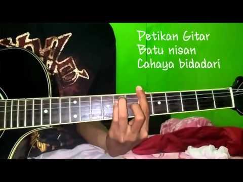Petikan Gitar Batu Nisan Cahaya Bidadari