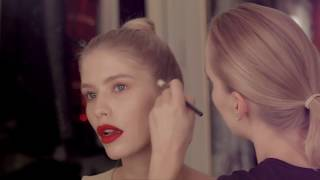 Download Глюкоза красит модель Лену Перминову / Секреты макияжа для блондинок / Красные губы Mp3 and Videos