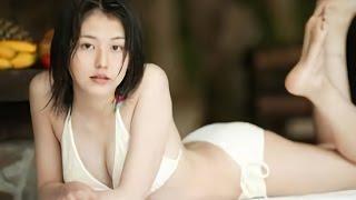 関連動画 【貴重!!】長澤まさみ 白ビキニ! 谷間くっきり たわわなお...