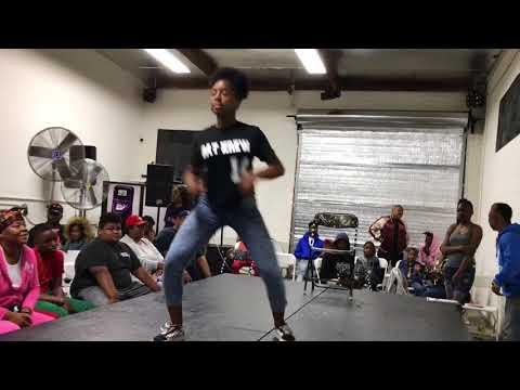 Y'all Gone Head Then! l Lexy vs KB | TsquadBattles | Tommy The Clown