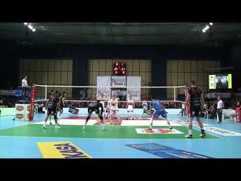 #Pallavolo Coppa Italia maschile - Civitanova-Modena 3-1: Cester chiude il match