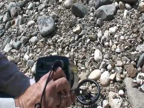 Metal Detectors For Gold & Gold Nugget Prospecting Metal Detecting Videos  Finding Gold XV