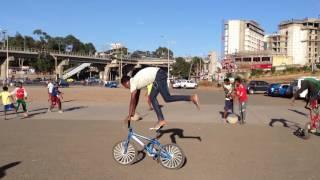 #Ethiopia: riding a bike backwards in Addis Ababa