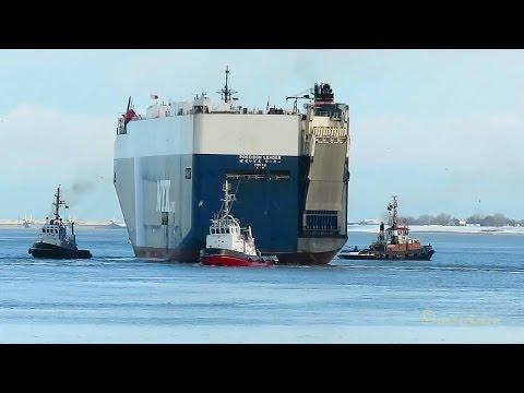 car carrier POSEIDON LEADER 7JCO IMO 9335965 timelapse Emden 3 tugs Autotransporter Schlepper