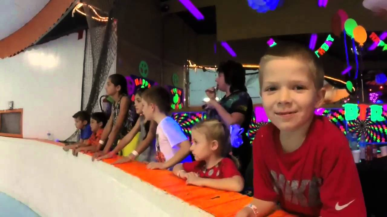 Alexs 7 years old Birthday Party 2016 Skate and Shake YouTube