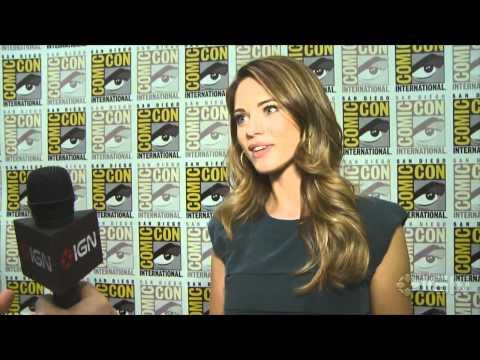 Comic-Con - Nikita - Lyndsy Fonseca Interview