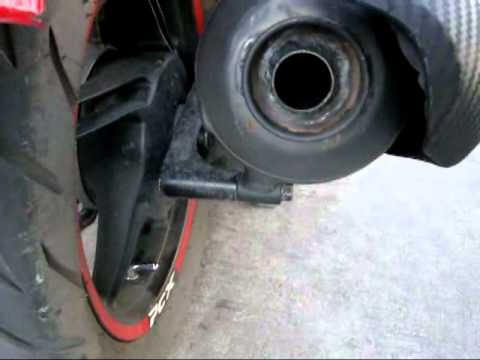 Remove a Catalytic Converter on Honda PCX125 - YouTube
