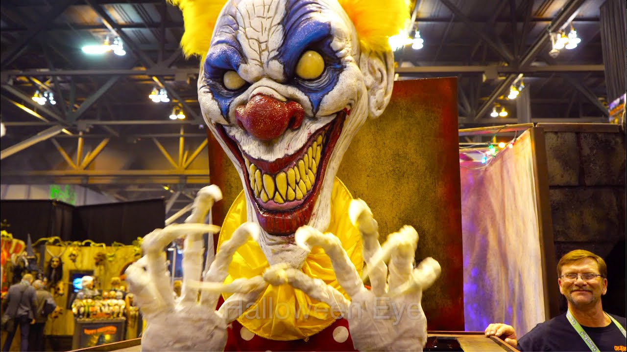 Giant EVIL CLOWN Jack in the Box Animatronic Prop | Transworld Halloween Show