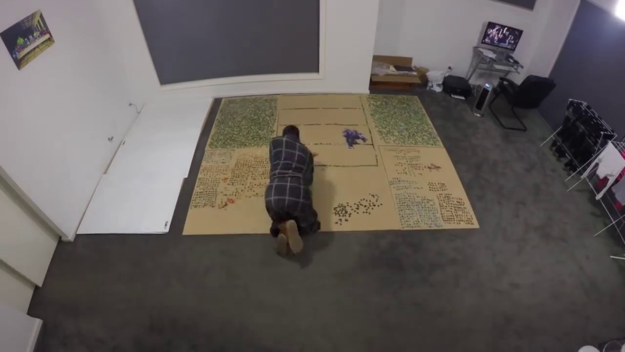 33,600 piece jigsaw puzzle time lapse - YouTube