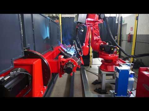 Zrobotyzowana stacja spawalnicza || Robot Comau with Arc welding application