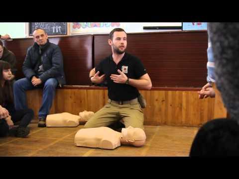 Как проводить сердечно легочную реанимацию или массаж сердца