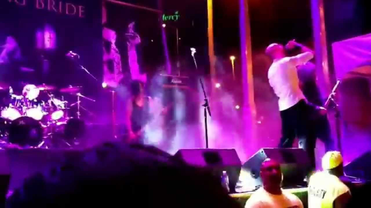 Dying naked on stage