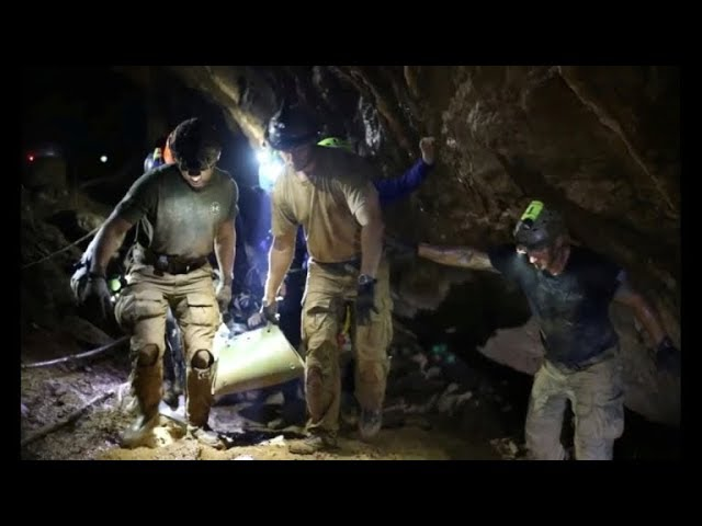 Divers tell of fears, elation in Thai cave rescue