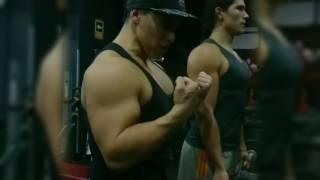 Retracción escapular para entrenar pectoral y bíceps