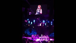 Reba live in concert Jan 14, 2011-  Keep On Lovin