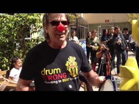 Grateful Dead Drummer Makes Music with Patients at UCSF Benioff Children's Hospital