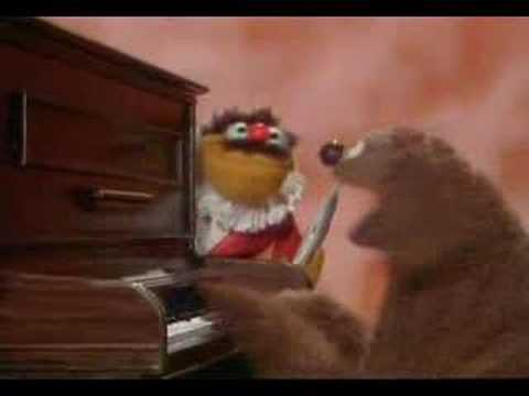 Muppet Show. Rowlf And Lew Zealand - Tea For Two (backwards)