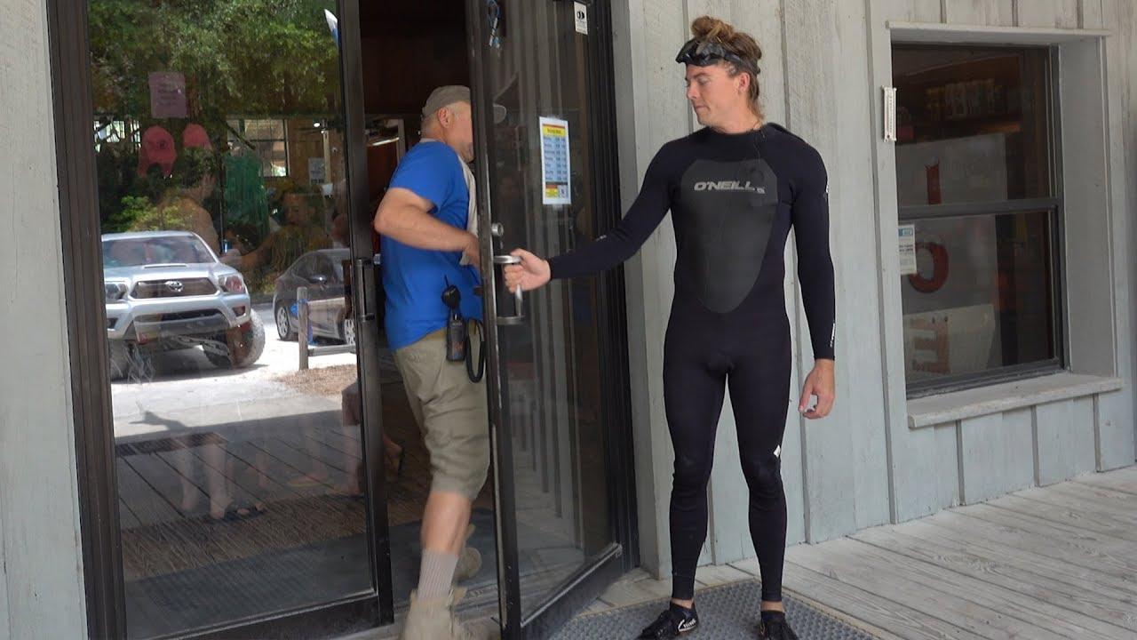 People Opening Doors : Holding the door slightly open for people youtube