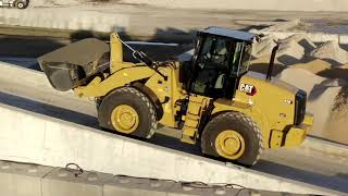 Cat® 914 and 920 Aggregate Handlers | Features and Benefits