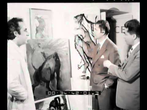 Lo scultore e pittore Emanuele Pandolfini lavora al busto di Garibaldi e mostra i suoi ..