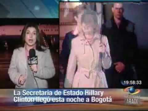 LAHT.COM -- Clinton Arrives in Colombia for Meetings with Uribe, Santos & Mockus
