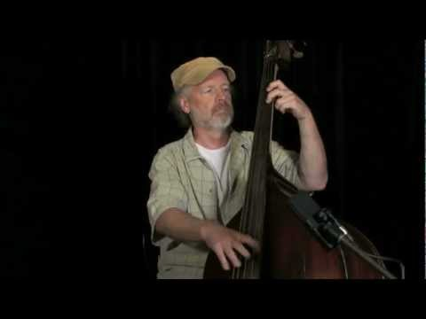 Todd Phillips Teaches Basic Tone and Right Hand Techinque for Acoustic Bass.mov
