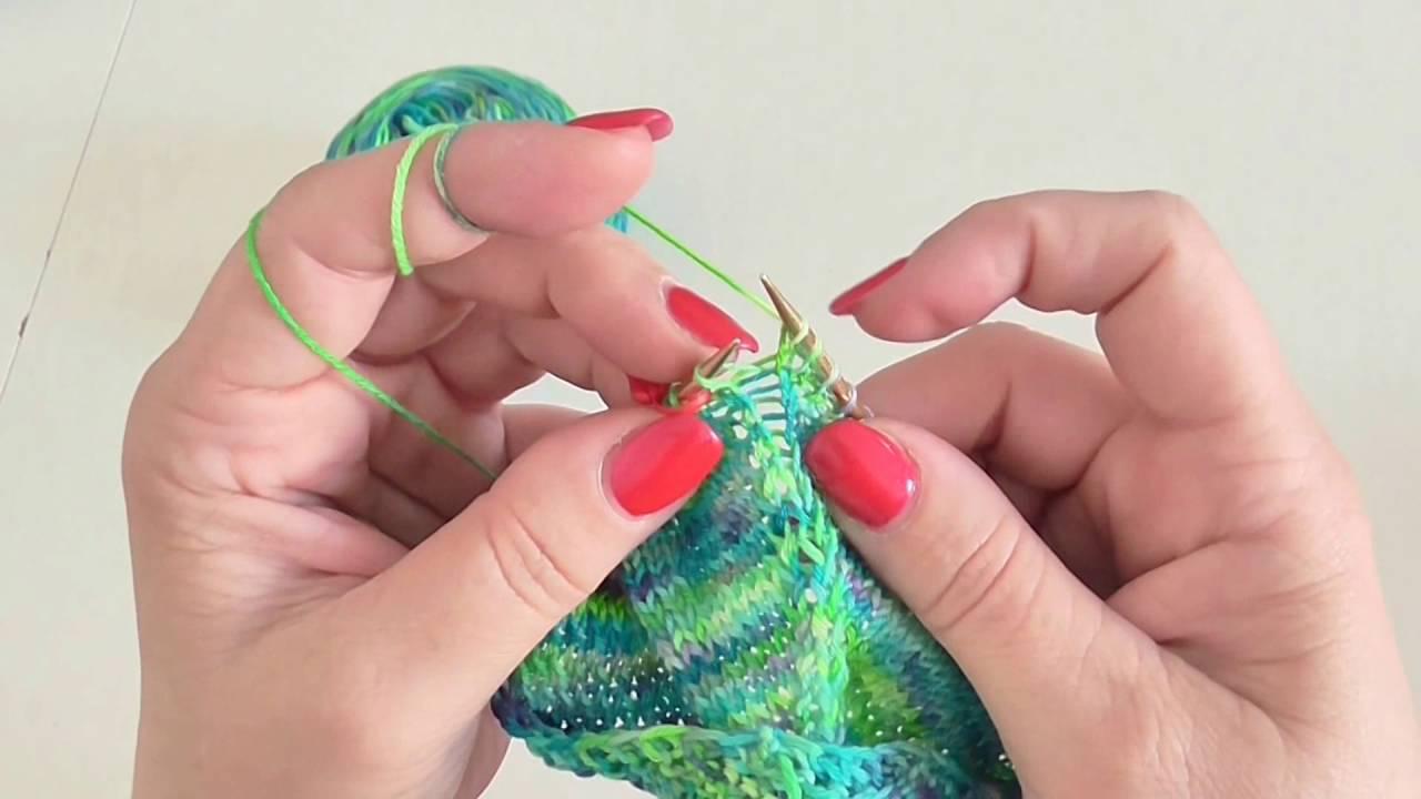 cbd297e67a9d Škola pletení - trojúhelníkový šátek bez dírek 2. díl - YouTube