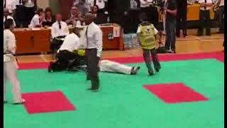 [video hài] pha knockout kinh hoang