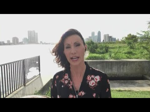 WKYC's Betsy Kling reports on Hurricane Dorian live from Jacksonville, Florida