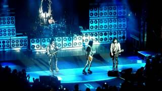 KISS KRUISE 2011 - Hard Luck Woman [ 2nd night 10/15/11 ]