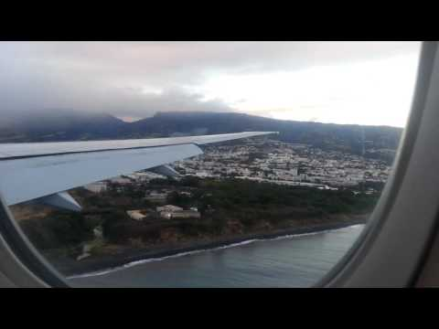 Landing Air France B777-300ER AF644 in the Reunion Island  for our holidays in 14/07/2016