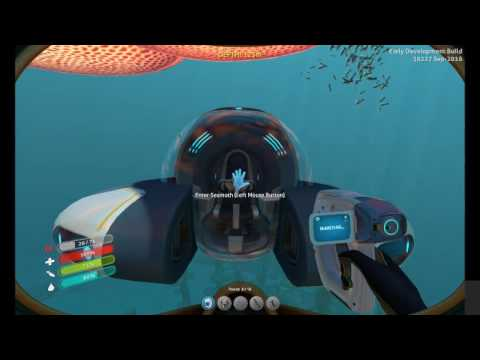 Subnautica - We exploer a wreck and find nice things
