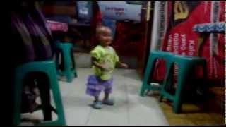 Lovie Nada mulai berjalan , lucu, gokil, funny