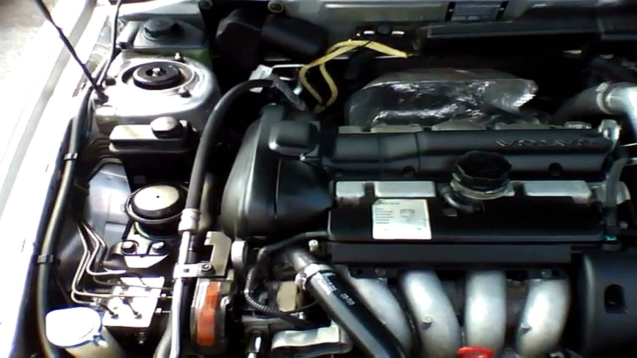 2004 volvo s40 1 9t start up  quick tour   u0026 rev