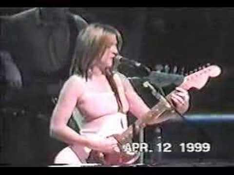 "Liz Phair 6'1"" live 04/12/99"