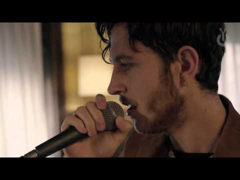 Oscar & The Wolf - Bloom I Babylon Acoustic Session