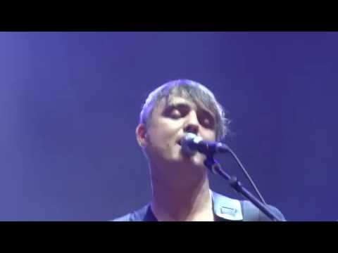 Peter Doherty and band - The whole world is our playground (live in Brussels)