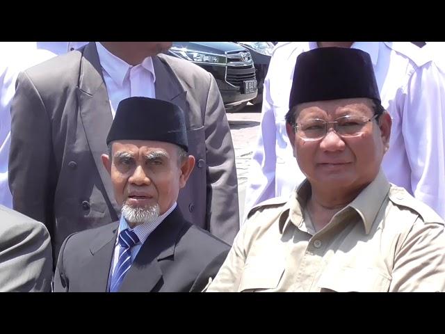 Di Gontor, Prabowo Dapat Sambutan Hangat Dari Kyai