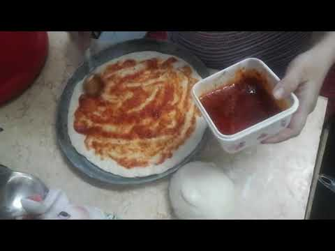 صورة  طريقة عمل البيتزا اسهل طريقه لعمل البيتزا زي بتاعه المحلات و احلى من بره 100 مره 😋💃😋💃 طريقة عمل البيتزا من يوتيوب