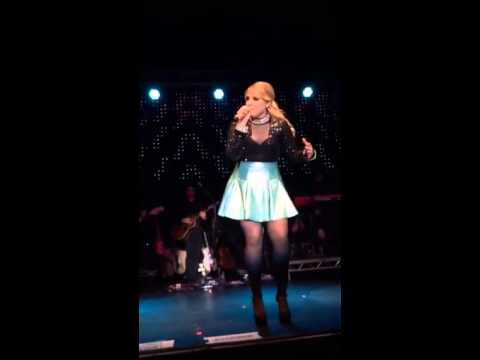 Meghan Trainor - No Good For You (Manchester 9/4/15)