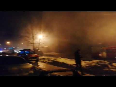 В Первоуральске горят магазин, ветклиника и склады