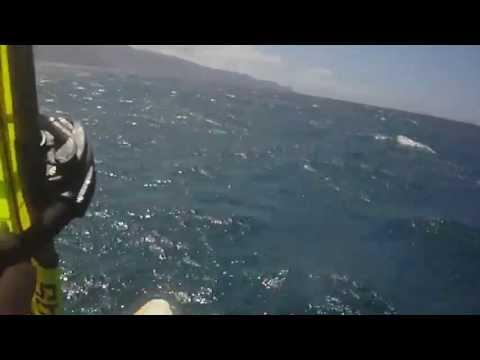 Maui Windsurfing Kanaha Deep into channel